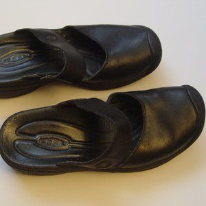 KEEN black leather mule slides size 38 US 7.5